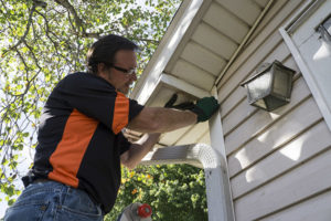 removing caulk from siding